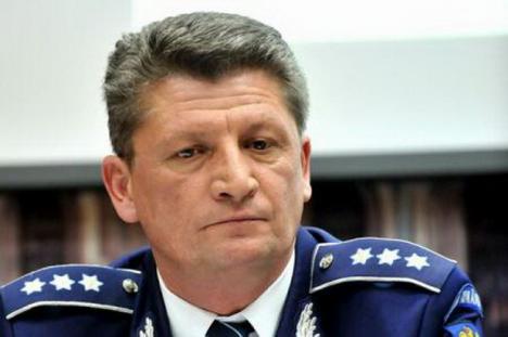 Şeful Poliţiei Rutiere, schimbat din funcţie, în urma scandalului poliţistului prins cu permis de conducere fals