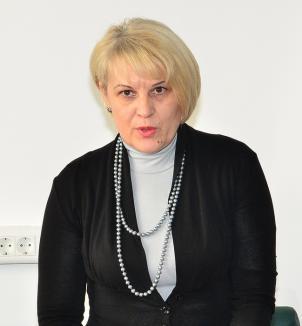 Marea lepădare: PSD spune că nu a susţinut-o pe şefa CAS Bihor, nici PNL nu şi-o asumă, iar Luciana Dorca se dă apolitică