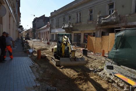 Școală printre șanțuri: Debutul de an școlar găsește Oradea cu șantiere neterminate în toate cartierele(FOTO)