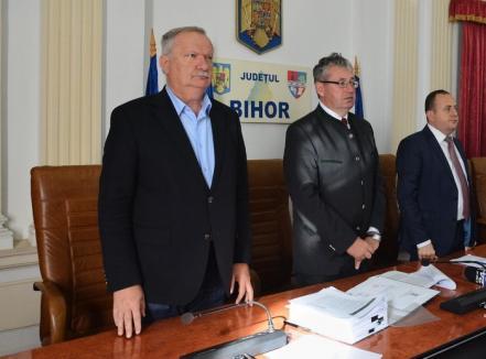 """USR Bihor condamnă """"ipocrizia fără seamăn"""" a lui Mang, cerând demisia tuturor PSD-iştilor din Consiliul Județean şi alegeri anticipate"""