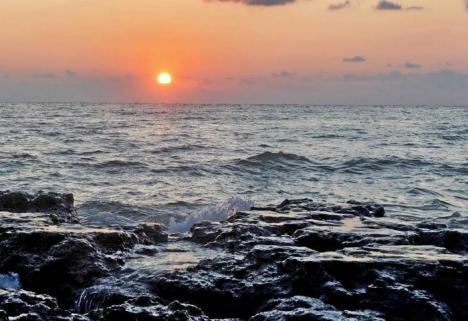 Aventură în Marea Neagră: A adormit pe o saltea şi s-a trezit peste 3 zile în altă ţară! (VIDEO)