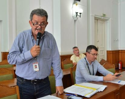 Pensionar și liberal: Directorul Ghitea din Primăria Oradea l-a trimis la plimbare pe un lider al pensionarilor