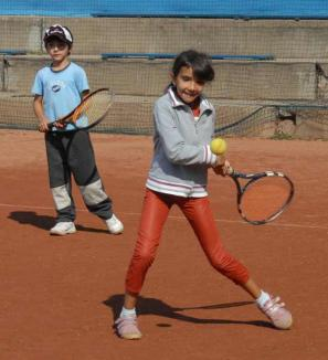 Nora Nemes şi-a adjudecat primul turneu din 2011 a Circuitului Naţional de Tenis