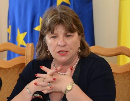 Bolojan îşi pune din nou obrazul, acum pentru Norica Nicolai, de la care aşteaptă sprijin pentru accesarea de fonduri europene