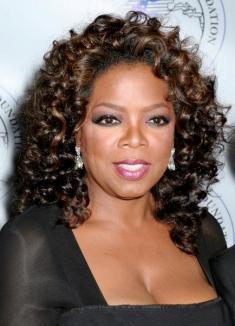 Oprah Winfrey s-a prostituat şi a făcut sex cu alte femei