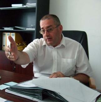 PLUS Beiuş cere demisia sau demiterea viceprimarului trimis în judecată de DNA Oradea. Vezi ce răspunde Ovidiu Dăescu!