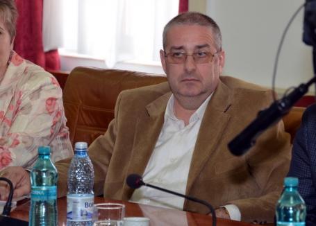 Viceprimarul Beiuşului, Ovidiu Dăescu, trimis în judecată de DNA pentru falsuri din vremea când conducea Agenţia de Mediu Bihor