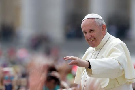 Orădenii, ajutaţi de Episcopia Greco-Catolică şi de parohiile din oraş să ajungă la întâlnirea cu Papa Francisc de la Blaj