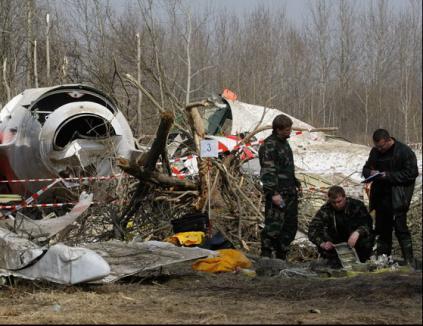 Militarii ruşi au furat cardul unui polonez mort în aeronava prezidenţială