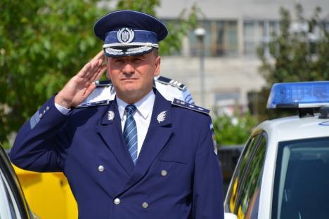 În cinstea eroilor: Poliţiştii bihoreni şi-au comemorat colegii morţi la datorie (FOTO/VIDEO)
