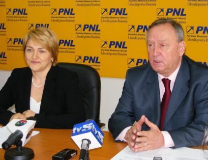 Popa şi Varga, realeşi vicepreşedinţi ai PNL. Bolojan nu a candidat