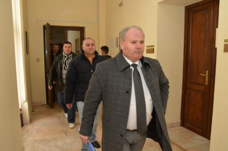Premieră: Dizolvat anul trecut de judecători, Consiliul Local al comunei Popeşti este reconstituit cu candidaţii din 2012
