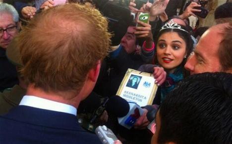 Prinţul Harry, cerut în căsătorie de o jurnalistă