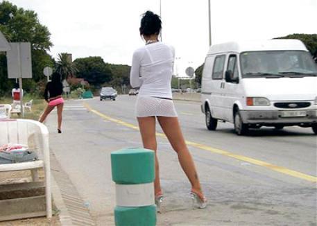 Prostituatele de pe centură duc lipsă de clienţi