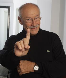"""Află dacă ai câştigat o invitaţie dublă la """"Dialoguri interioare"""" cu Victor Rebengiuc!"""