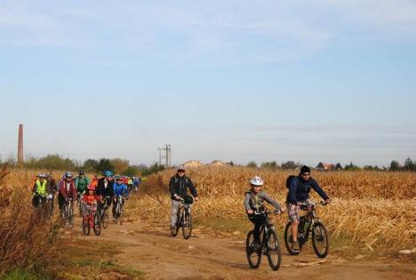 Redescoperă Bihorul pe bicicletă: Peste 80 de ciclişti au pedalat pe Valea Ierului (FOTO)