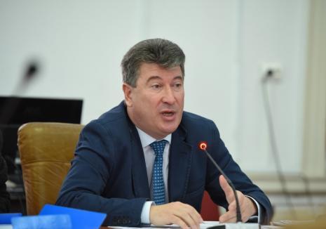 În plină criză de coronavirus, şeful DSVSA Bihor, Remus Moţoc, a fost mazilit prin... avansare