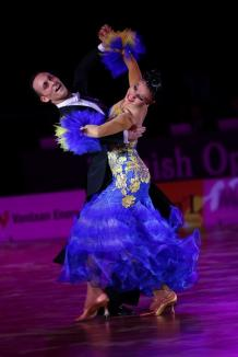 Festival internaţional de dans sportiv, la Oradea. Concurează 200 de perechi din ţări precum Rusia, Olanda şi Portugalia (FOTO)