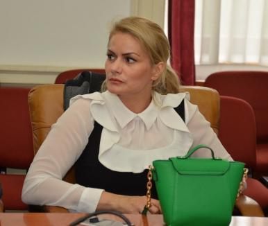 Hop şi ANI: Fosta şefă a APM Bihor, Sanda Mercea, declarată incompatibilă la un an după ce a fost deja inculpată