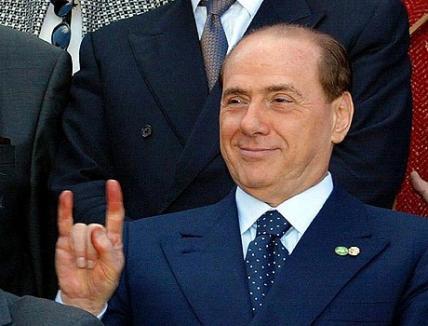 """Berlusconi, gură slobodă: """"Îmi fugărean secretara..."""""""