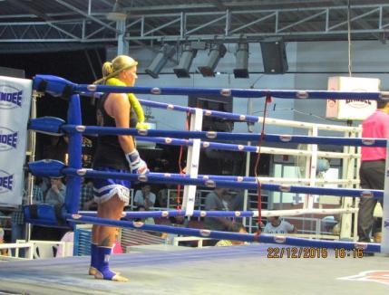 Atleta Simona Kadas şi-a făcut debutul în box thailandez