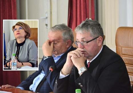 Război între şefii CJ şi secretarul judeţului, Carmen Soltănel. Mang: 'Să ne ferească Dumnezeu de aşa funcţionari publici!'