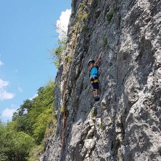 Sophie, fetița munților: O copilă din Bihor a urcat, la 7 ani, 5.400 de metri pe un masiv din Himalaya (FOTO)