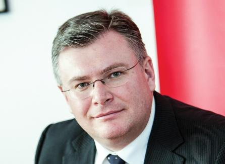 Cauţiune de o jumătate de milion de euro: Şeful Oracle România, urmărit penal după ce ar fi luat mită aproape 870.000 de euro de la firme IT