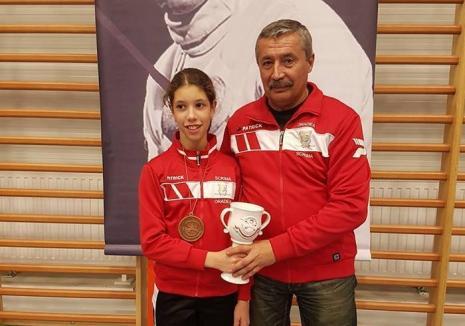 Andreea Muntean a cucerit bronzul la prima etapă a Circuitului Internaţional de spadă 'Olimpicii'