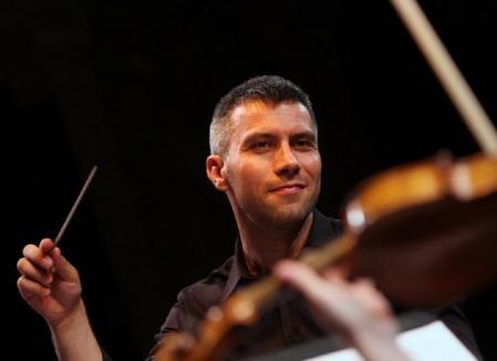 Tiberiu Soare dirijează din nou la Filarmonica orădeană