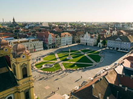 Patrioții cu gura versus patrioții cu fapta. Primarii liberali readuc la viață patrimoniul românesc (FOTO)