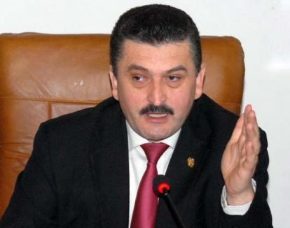 Radu Ţîrle, revocat din funcţia de vicepreşedinte al PNL Bihor