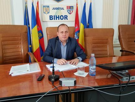 Vicepreşedintele CJ Traian Bodea o acuză pe fosta şefă a Parcurilor Industriale Bihor, Adina Rada, că îşi plătea şi coaforul din bani publici