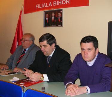 """Şeful UNPR Oradea: """"Dacă PDL nu ne dă nimic, le dăm la picioare"""""""