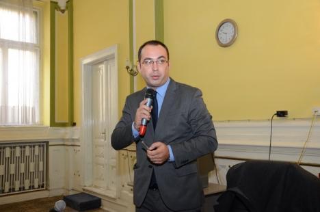 Avocatul orădean Mircea Ursuţa declanşează un proces care ar putea s-o coste sute de milioane de euro pe Gabriela Firea