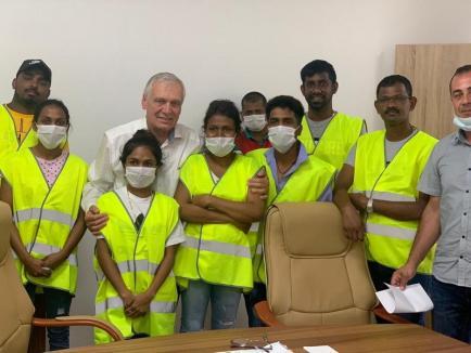 Concediaţi în Focşani, angajaţi în Oradea: Compania Valtryp primeşte muncitori sri-lankezi daţi afară în Vrancea după ce unii au avut Covid (FOTO)