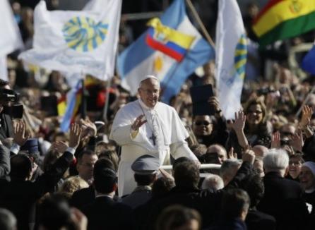 """Papa Francisc I îşi începe pontificatul: """"Să nu uităm că adevărata putere a unui papă este de a sluji"""""""