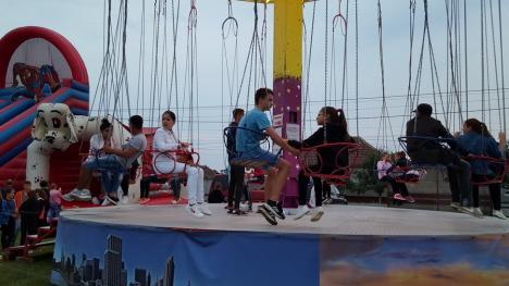 Compact a făcut spectacol la Sîntandrei: 'Sunteţi faini' (FOTO / VIDEO)