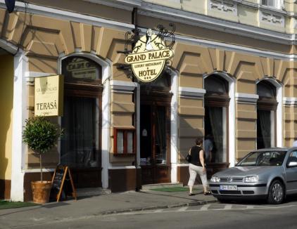 Grand Palace, localul afaceristului Radu Pentie, a fost suspendat de Primărie