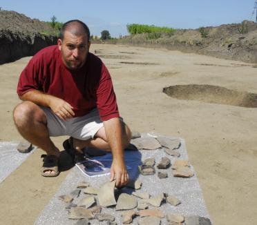 """Aşezare dacică """"dezgropată"""" cu ocazia construcţiei unei şosele (FOTO)"""