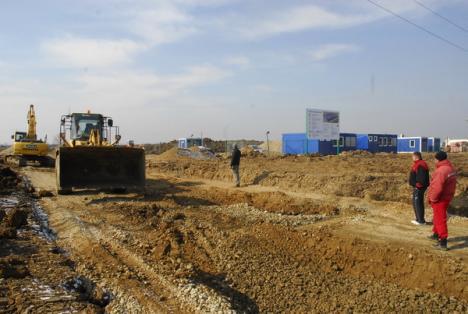 Parcul industrial a fost conectat la reţeaua de energie electrică şi va produce începând cu luna iulie (FOTO)