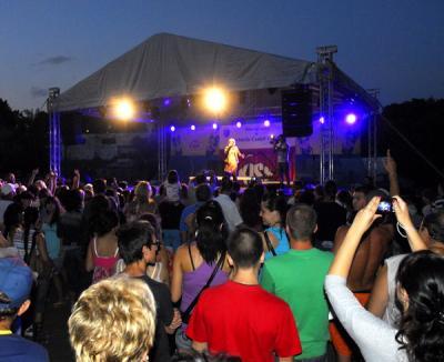 Muzică şi bere gratis la Serbările Cetăţii (FOTO)