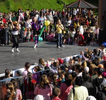 Mii de copii au sărbătorit 1 iunie (FOTO)