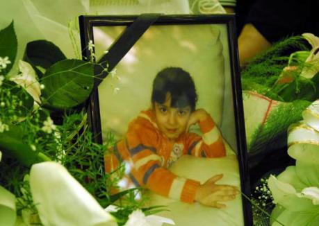 Mama n-a vrut să o lase să plece! Patricia a fost înmormântată printre lacrimi (FOTO)