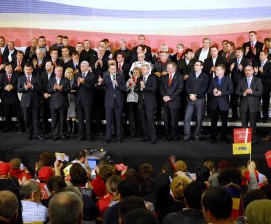 Liberalii, pe aceeaşi scenă cu Geoană şi cu pesediştii bihoreni (FOTO şi VIDEO)
