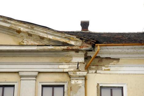 Primăria 'forţează' reabilitarea clădirilor monument (FOTO)
