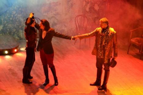 """Shakespeare, """"reinventat"""" cu succes pe scena Teatrului Regina Maria (FOTO)"""