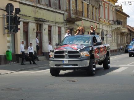 Motocicliştii fac chef în 1 Mai: Sute de motoare, turate prin Oradea (FOTO / VIDEO)