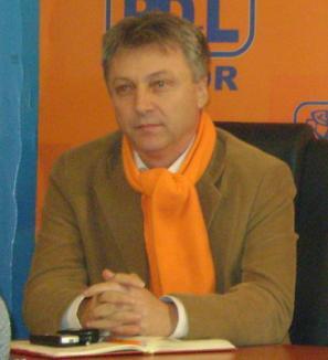 Traian Abrudan susţine că de fapt liberalii au dat şpagă electorală la Aleşd