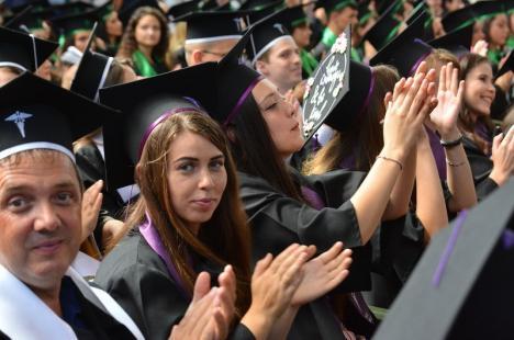 FMF Oradea suspendă toate activităţile didactice, până la sfârşitul lunii martie. Studenţii vor primi cursurile online